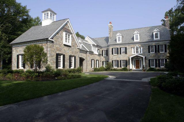 NEW CANAAN, CT<br>Summersweet Lane<br><a href='http://shorelinepaintingct.com/portfolio/summersweet-lane-norwalk-ct/'>Go to link</a>